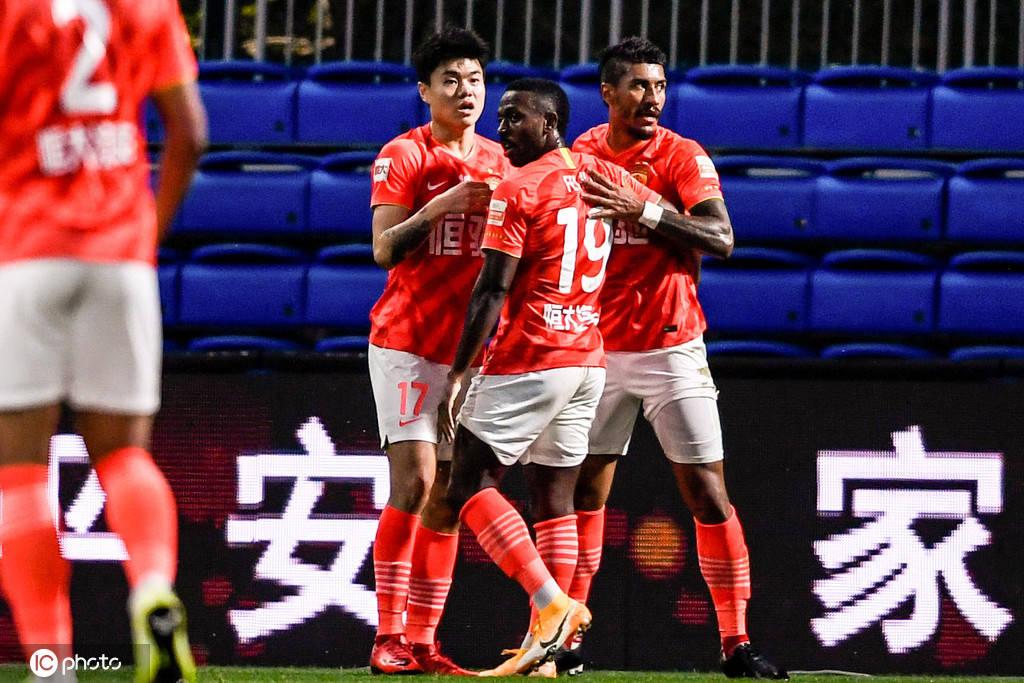 中超-暴力鸟费南多破门恒大2-0深圳提前4轮晋级争冠组_比赛