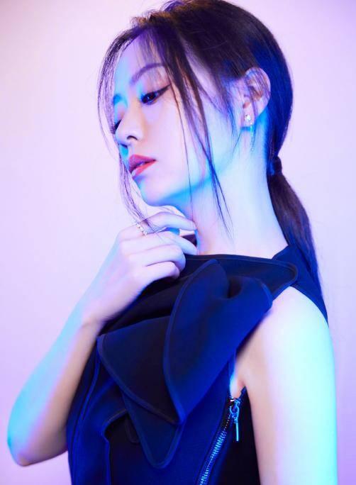 张靓颖被赞歌词敢说,列举出道十五年黑料,获韩红、李荣浩力挺