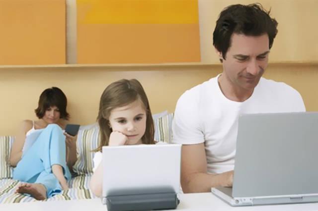 接纳放纵型育儿方式的怙恃会给孩子极大