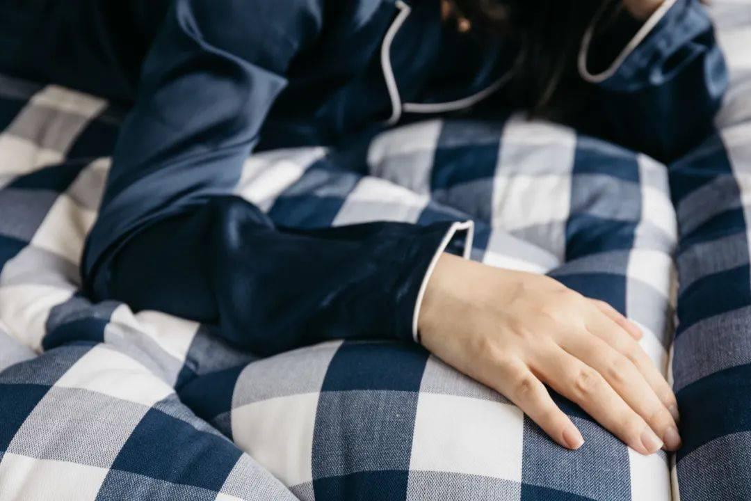 原创             为什么要花百万买一张床?