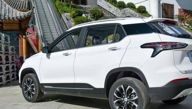 """原国产SUV也有省油SUV,每公里3美分,8 CVT 5.98万。又叫""""颜兽"""""""