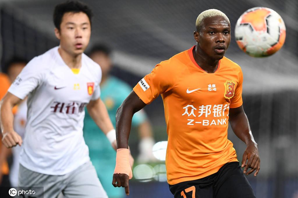 凭仗马尔康的传射建功,河北华夏2-0击败武汉