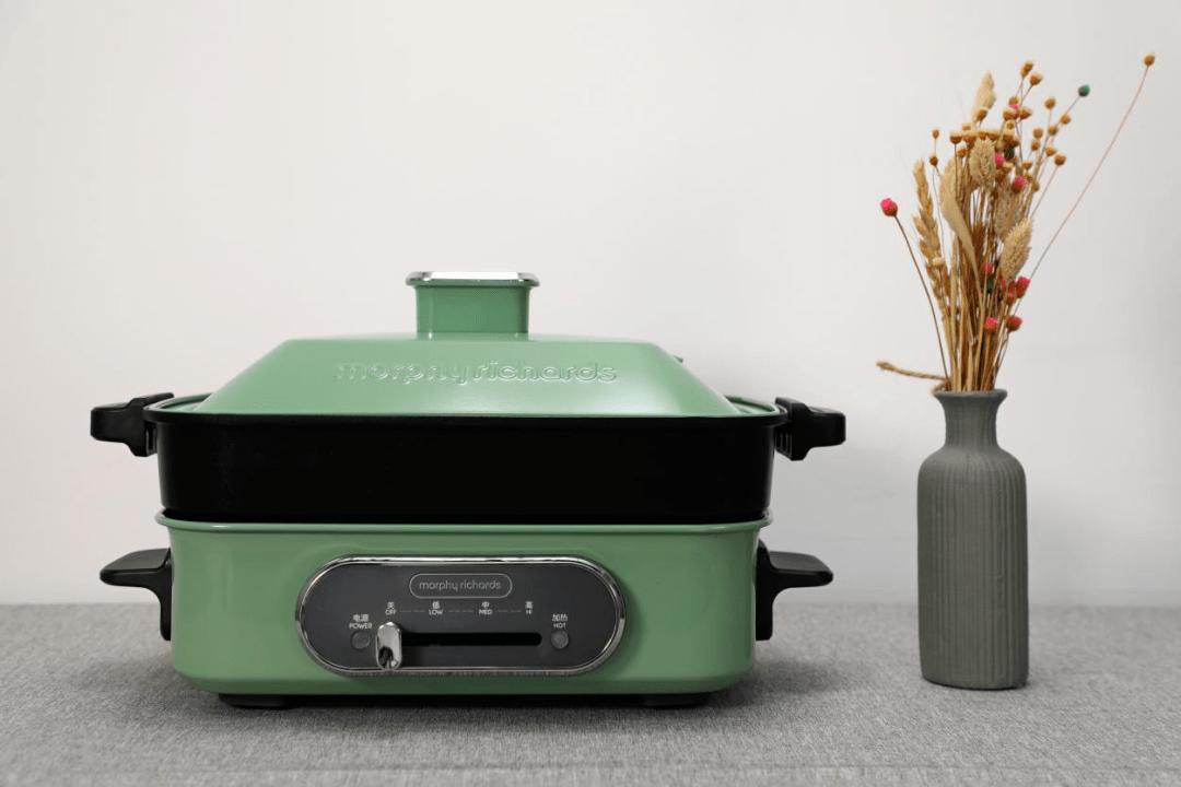 懒人进阶厨娘的简单选择!东芝多功能料理锅对比摩飞。