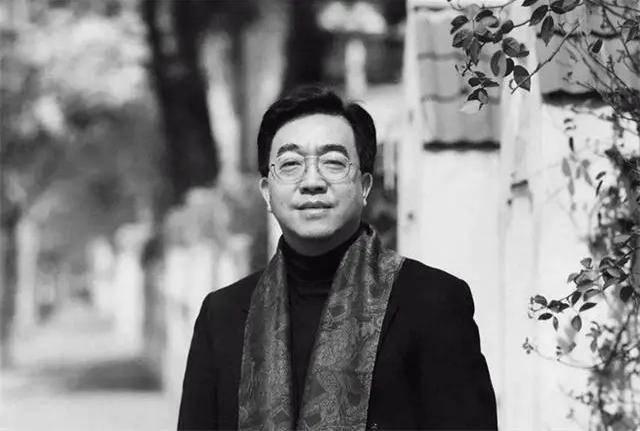 """""""富豪画家""""陈逸飞:54岁身家过亿,娶25岁模特,59岁为艺术献身"""