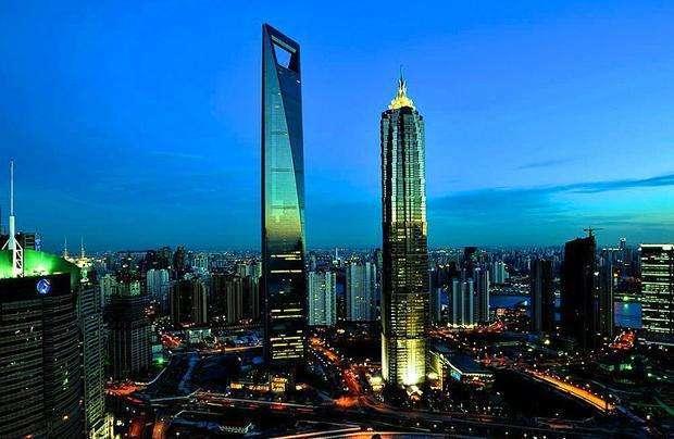 """上海地标建筑 戏称""""开瓶器"""" 但还有其他图片"""