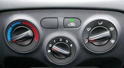 <strong>为什么你的汽车电池不耐用?学会这些窍</strong>