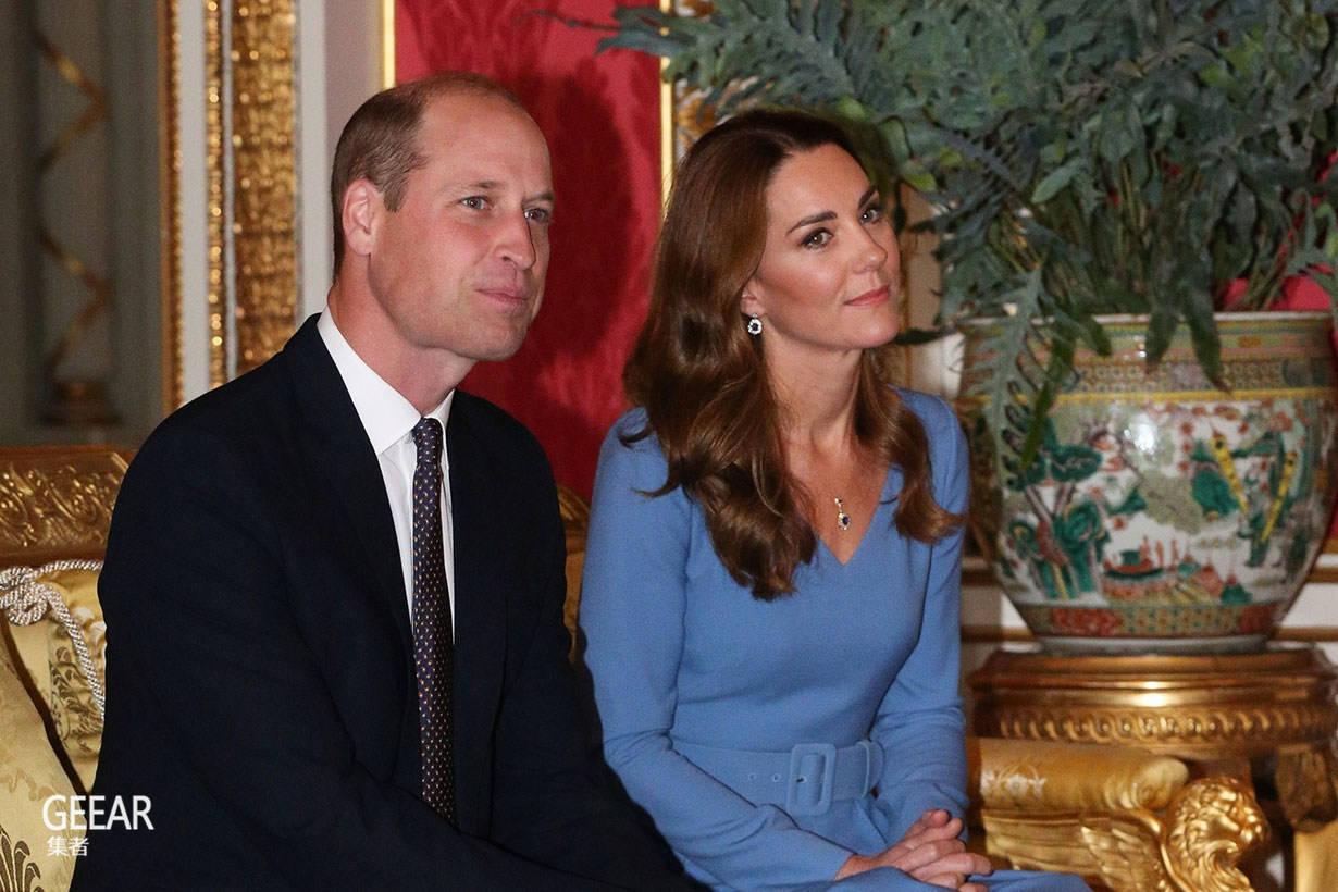 凯特王妃再穿蓝色连衣裙,从头到脚也散发得体贵气