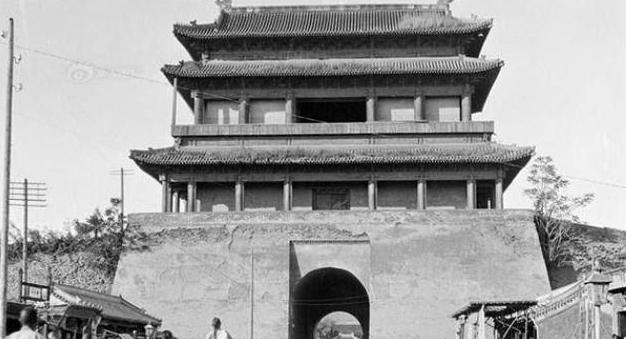 郭沫若主张拆除北京的古城墙,林徽因对