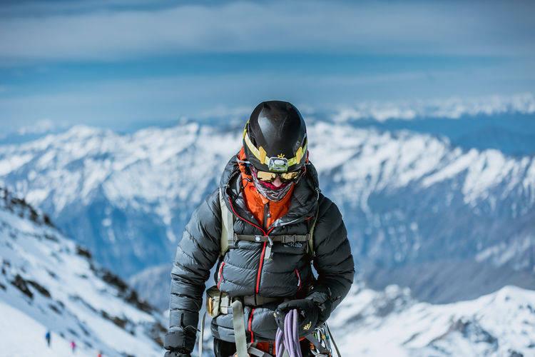 6000多米的梅里雪山,虽然美丽但禁止攀登,你知道是什么原因?