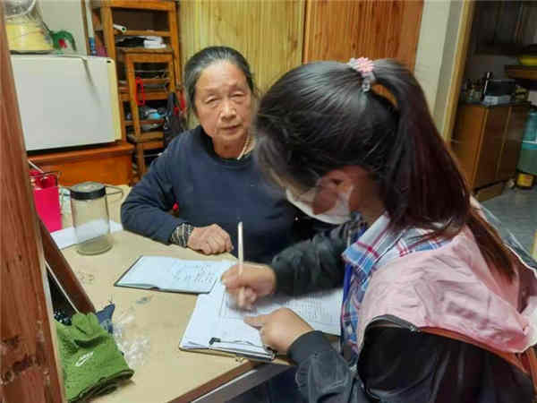 坚持党建引领助推人口普查工作提质增效