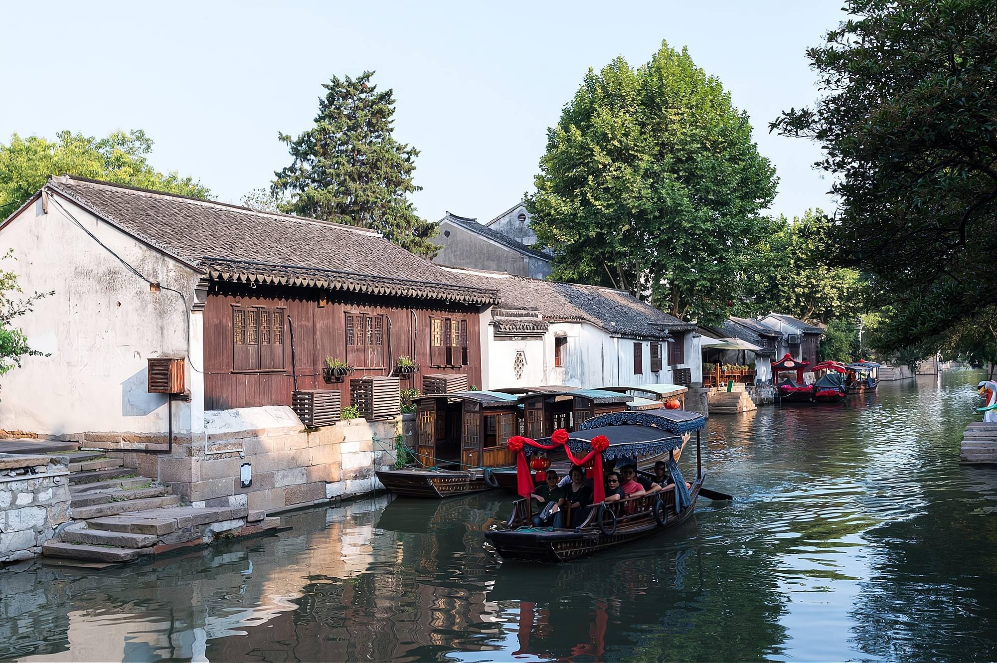 700多年的古镇,至今保留着江南水乡的淳朴风貌,她就是南浔古镇