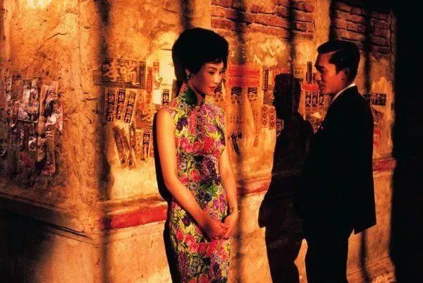 为什么《花样年华》能在海外带起旗袍热,甚至出现了一批曼玉旗袍迷?