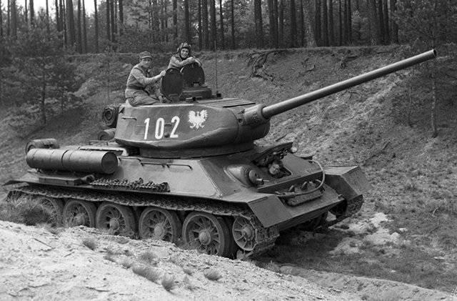 产量超过8万辆,二战经典坦克,革命性设计思路一直影响至今