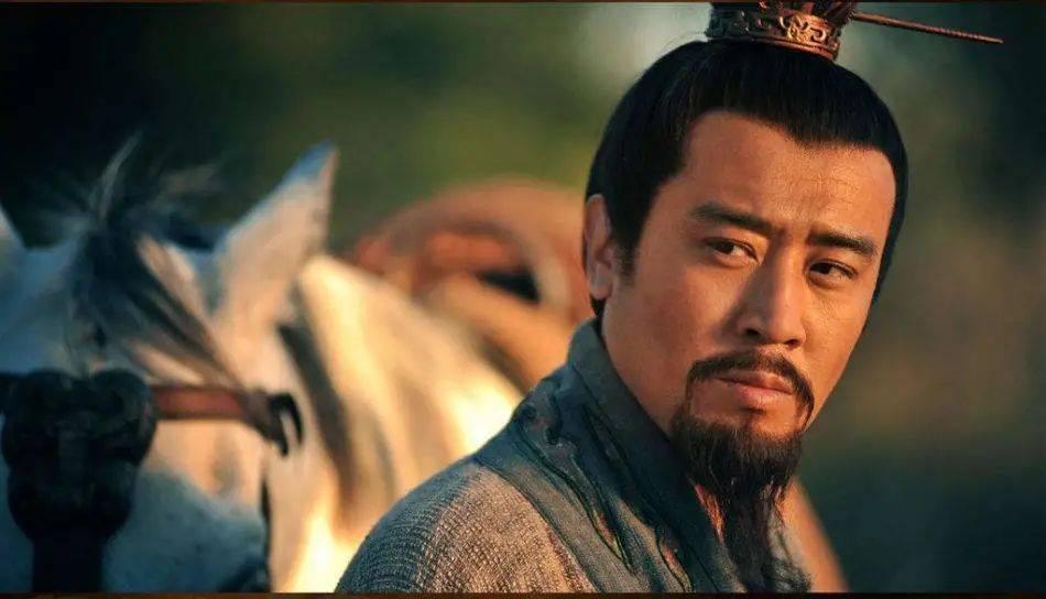 三国最强小贩:青年吹牛打架、中年割据一方、晚年做了皇帝