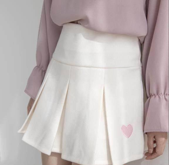 <b>比夏天短裙更悦目的毛呢百褶裙,搭配日系过膝</b>