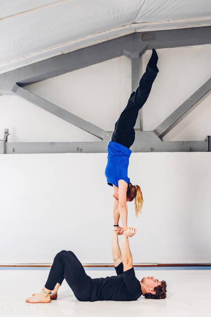 不去健身房怎么有效锻炼?一套徒手训练,在家有效虐遍全身肌肉!
