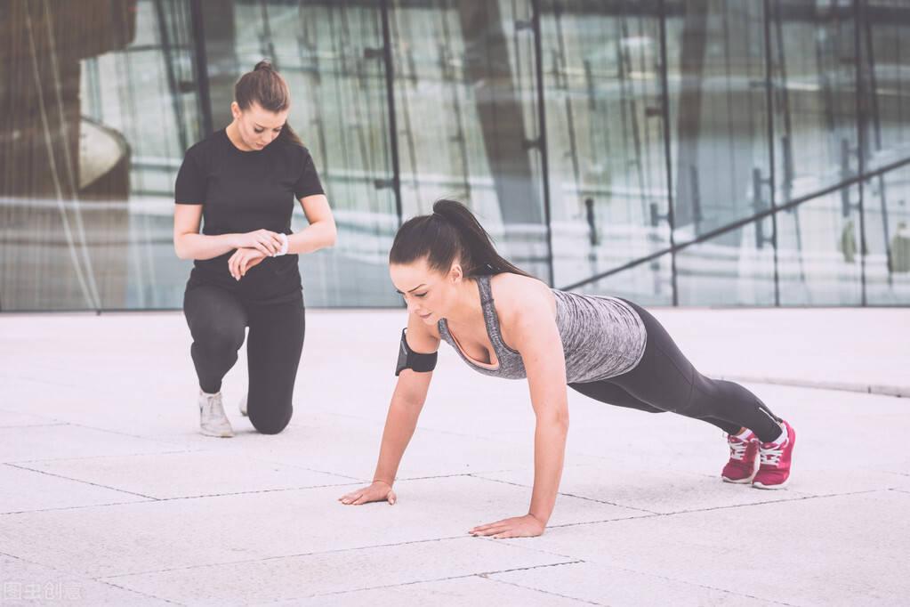 俯卧撑,一个黄金健身动作!俯卧撑的正确做法,你掌握了吗?