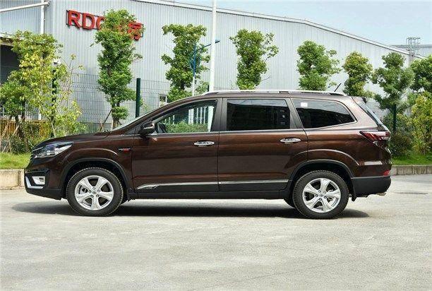 原厂8AT加7座设计,车辆保修20万公里,是国产7座SUV