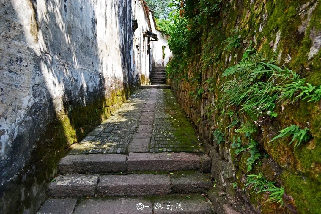"""原创             浙江兰溪有座八卦村,街巷复杂似迷宫,游客笑称""""小偷也迷路"""""""