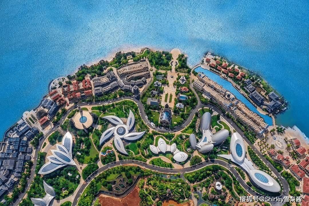"""原创             中国又一超级工程完工,历时10年斥资1600亿,号称中国的""""迪拜"""""""