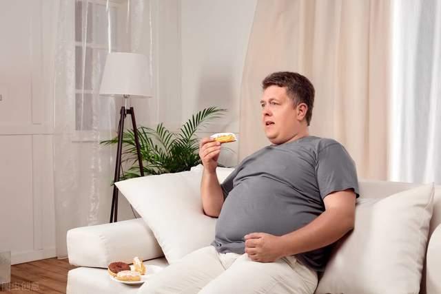 人到中年坚持4个方法,让你远离肥胖,减缓衰老速度!