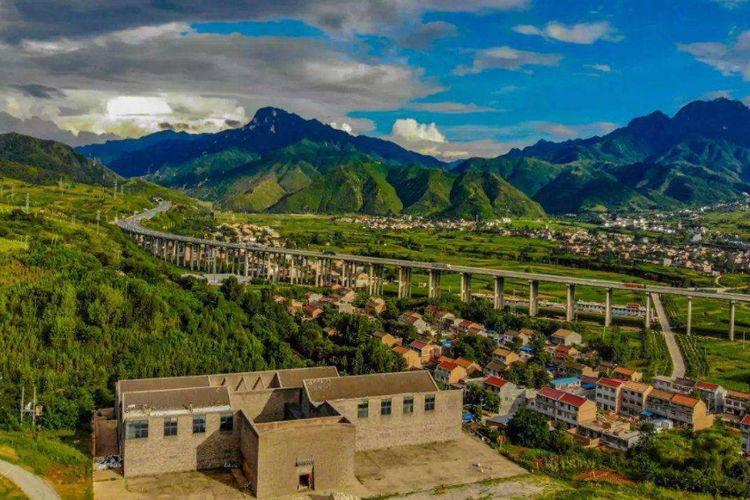 昆山各镇gdp_中国各县市人均GDP排名和七普人口增量