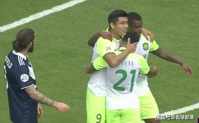 原创             国安亚冠踢疯了:26分钟轰进2球!国足未来中锋爆发,接近晋级16强