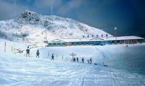 神农架天燕滑雪场拟于12月12日首滑,湖北的林海雪原