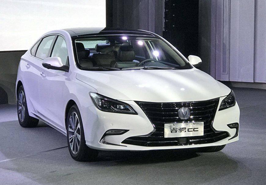 原长安中型轿车比本田思域更漂亮,配备1.5T涡轮增压发动机