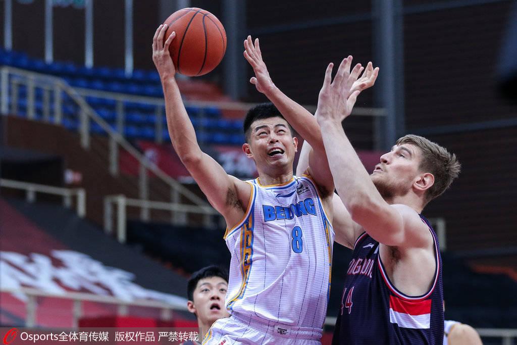 通过四节较量以102-100胜出,取得2连胜;广州队遭遇5连败
