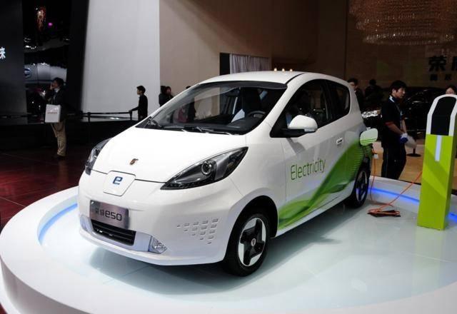 最初的荣威微型电动车可以行驶170公里