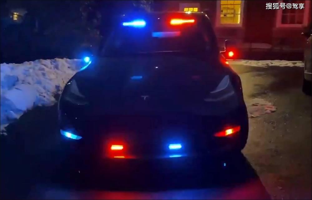 特斯拉Y型第一次换成了警车,纽约警用侦缉车功能齐全,环保