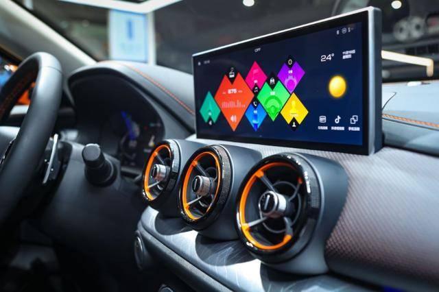 年轻之选的色彩搭配,VV5元气橙版与XR-V闪烈黄用实力说话!