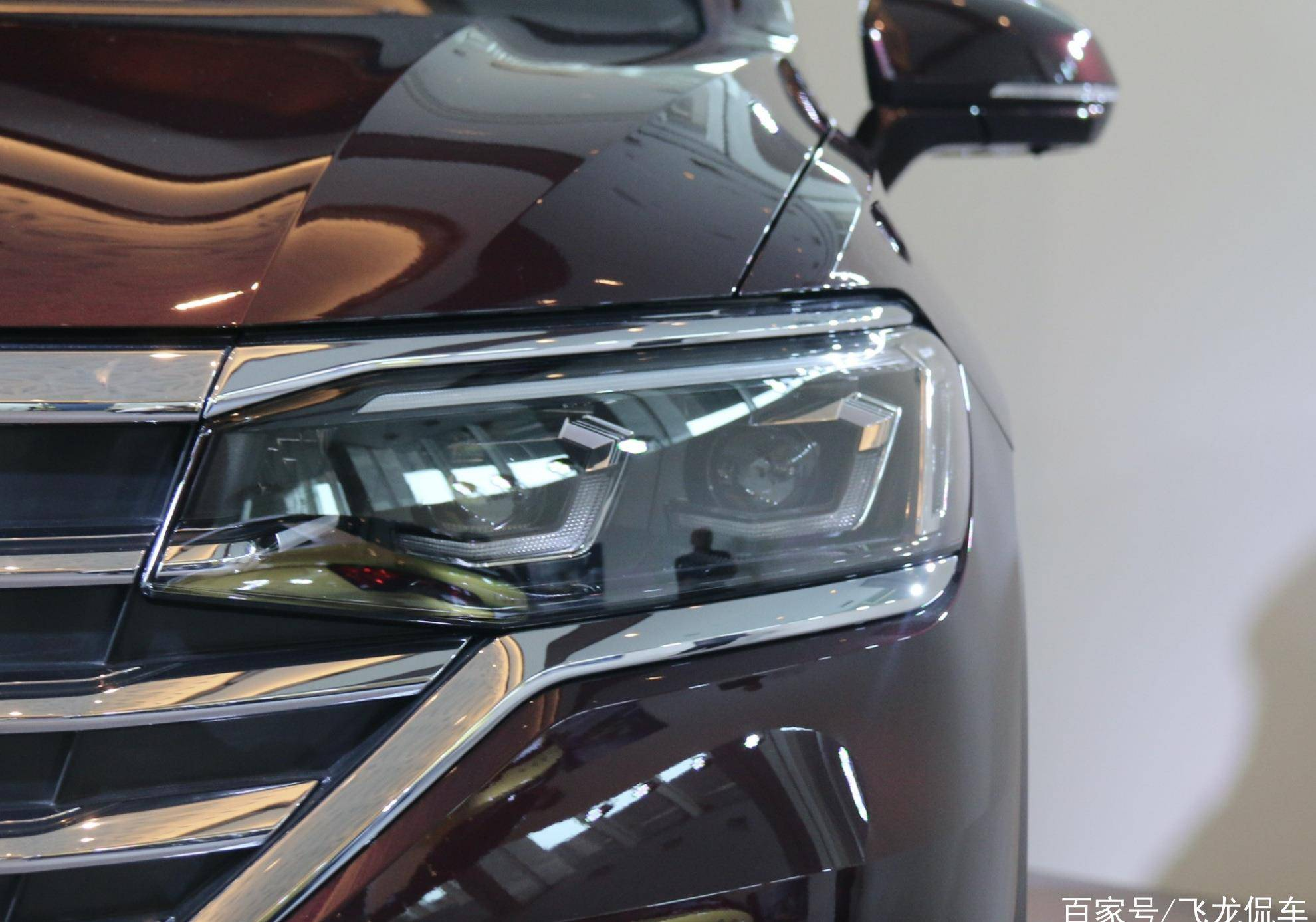 最了解中国人的德国车,长5.3米,有电动双面滑动门和大7人座,但很热0y2