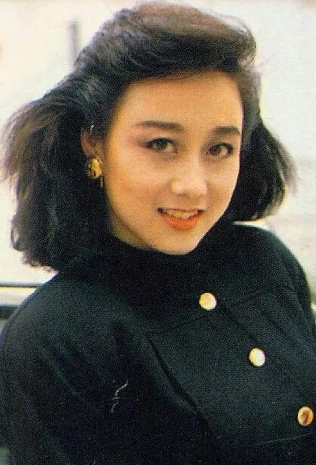 迷倒何鸿燊,李连杰对她死心塌地,利智59岁生日曝光与女儿关系  第4张