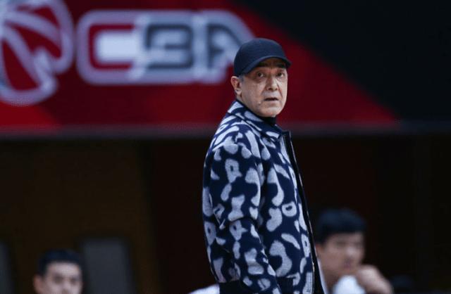 新疆男篮惨败广东原因浮出水面,球迷不满:球队缺少侵略能力