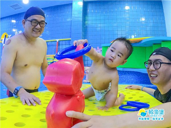 还在问参与亲子游泳对孩子的成长有何益处?  第2张