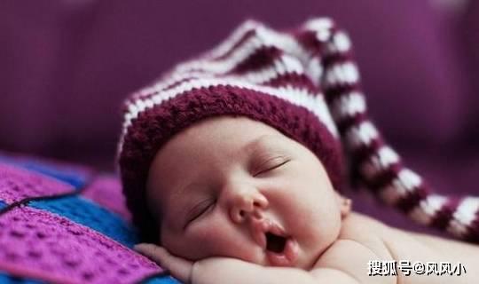 为何很多孩子小时很漂亮长大变丑了?可能与此睡眠动作有关  第1张