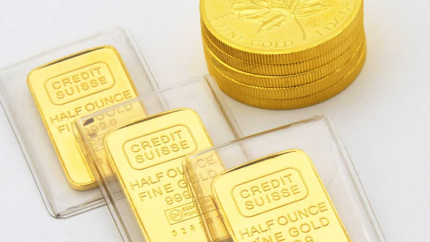 金价单月大涨8%?黄金又成了爆款香饽饽,黄金未来究竟怎么看?