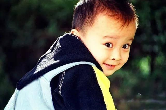 《大江大河2》7位演员童年照:王凯变化好大,杨采