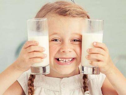 牛奶喝得好,酸奶怎么挑?关于宝宝喝酸奶的误区,家长要做足功课  第7张