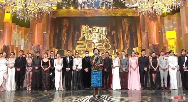 最初的颁奖典礼上,以皇帝的名义领奖,当蔡打破冷场后,入围者的表情非常精彩
