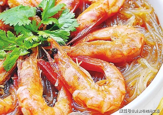 鲜虾和粉条这样做,我家一周至少吃3次,每次上桌都光盘,超下饭