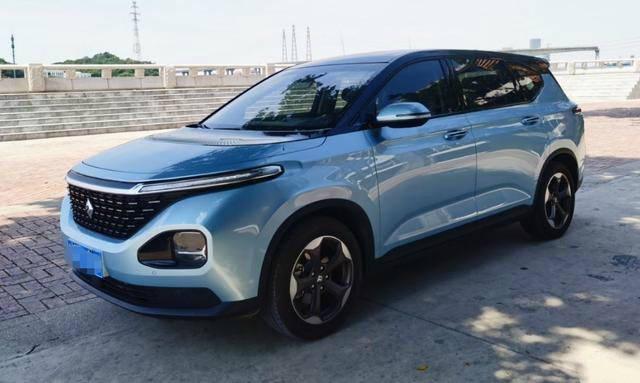 目前最个性化的MPV车型新宝军RM-5,一年体验