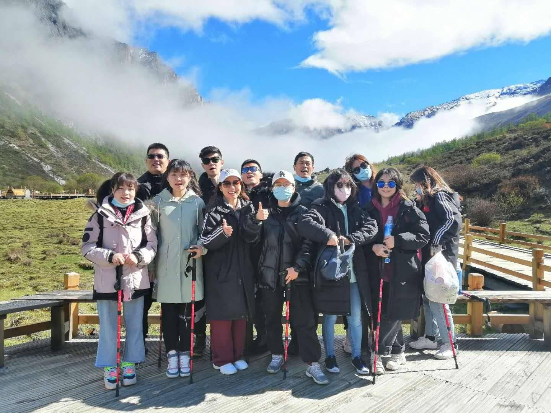 到四川旅游自由行,怎么找四川当地的自由行可靠导游,四川自驾游最佳旅游线路