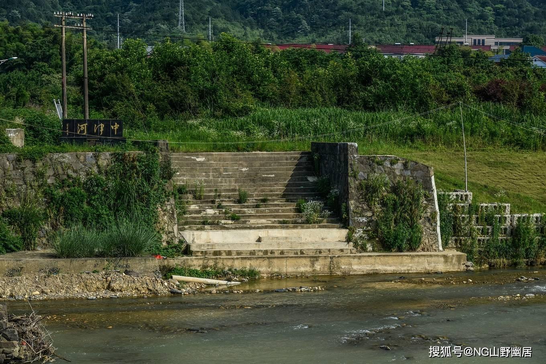 宁国中津河桥:一个破旧的石拱桥,却无意间美成了画卷
