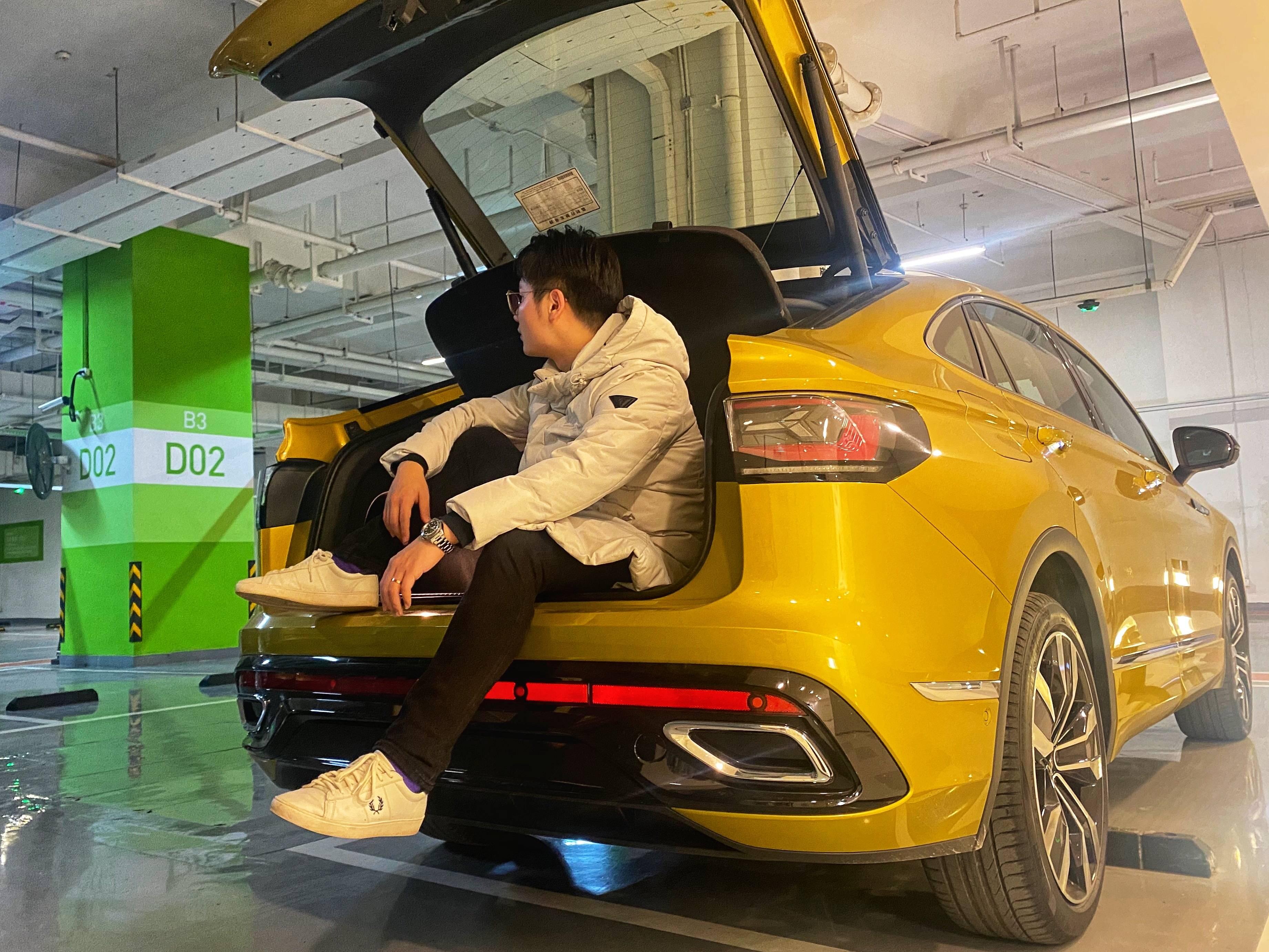 """试驾顶配大众途观X!30万级跨界SUV真能技惊""""四""""座?"""