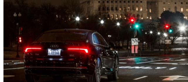 等红灯的时候,是D挡刹车还是N挡?