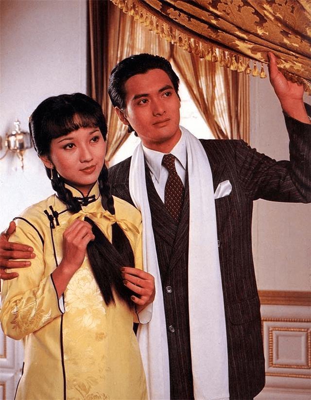 这首歌也是原地传唱度最高的粤语歌之逐个-香港经典影视歌曲插图(4)