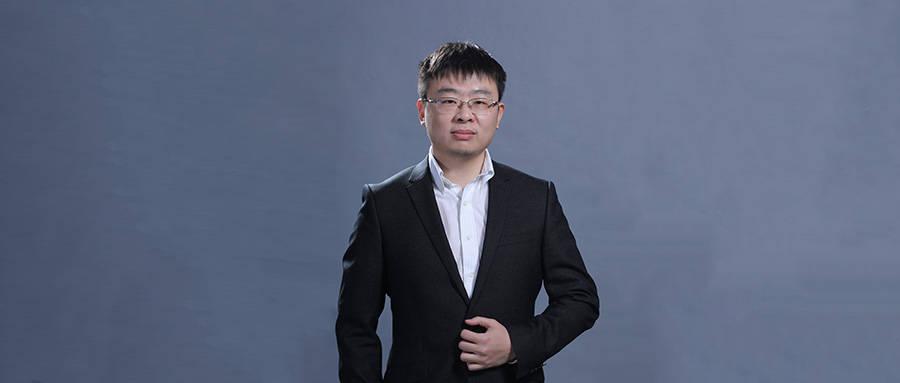 原文对话魏:33岁被提拔为最年轻的人大教授,致力于培养有温度的AI人才